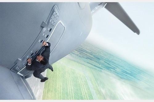 【映画『ミッション:インポッシブル/ローグ・ネイション』予告編】映画史上最高のスパイ、不可能を可能にする男