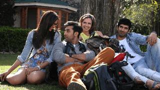 歌って踊ってばかりじゃない、インドの本格恋愛映画