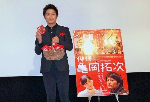 """古川くんから踏まれた手は""""青あざ""""に(笑)。映画『ライチ☆光クラブ』初日舞台レポート"""