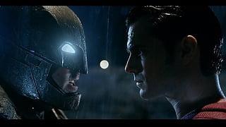 超人vs生身の人間!?世界2大ヒーロー世紀の筋肉対決!!『バットマン vs スーパーマン ジャスティスの誕生』を徹底分析!