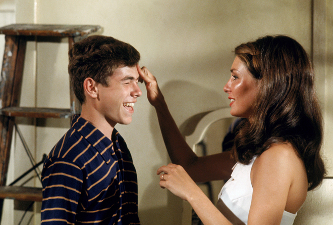 SUMMER OF ''42, from left: Gary Grimes, Jennifer O''Neill, 1971
