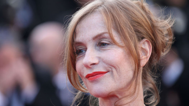 isabelle-huppert-cannes-2011-montee-des-marches-tree-of-life-10460014hmuqu_1713