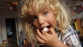 【プレゼント】『シュガー・ブルース 家族で砂糖をやめたわけ』一般試写会に【10組20名様】をご招待!
