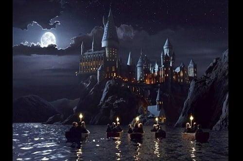 ハリー・ポッターの魔法学校が、日本の小笠原諸島にもあるってホント!?