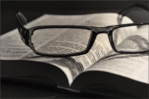 空き時間にうってつけ!さらっと読めちゃう大人女子におすすめのエッセイ