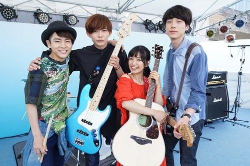(向かって左から)D.泉澤祐希、B.竜星涼、Vo.miwa、G.坂口健太郎