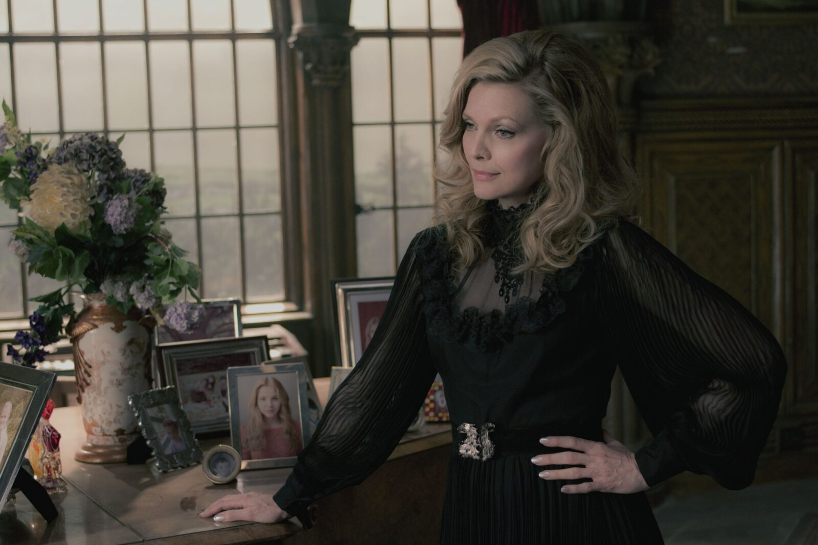 "DSH-00272rG MICHELLE PFEIFFER as Elizabeth Collins Stoddard in Warner Bros. Pictures' and Village Roadshow Pictures'  ""DARK SHADOWS,"" a Warner Bros. Pictures release."