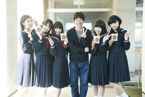 話題沸騰中の五人組アイドル・夢みるアドレセンス