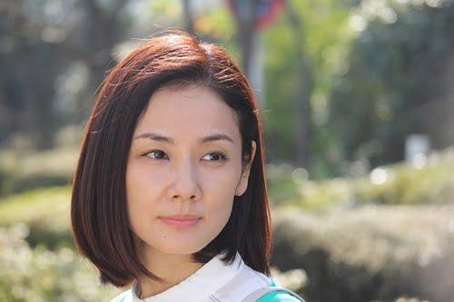 愛される妻役・吉田羊さん。