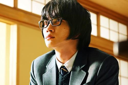 神木隆之介主演!17歳の将棋のプロ棋士・桐山零。彼には、家も家族も居場所も─何もなかった『3月のライオン』