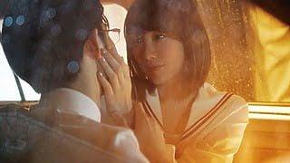映画『暗黒女子』飯豊まりえ×千葉雄大の艶っぽいキスシーン♡元ネタはあの英国人気俳優出演の広告CMだった!?