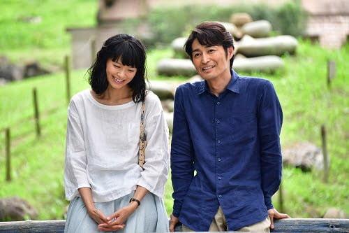榮倉奈々&安田顕 W主演。「Yahoo!知恵袋」投稿から始まった…映画『家に帰ると妻が必ず死んだふりをしています。』実写映画化!