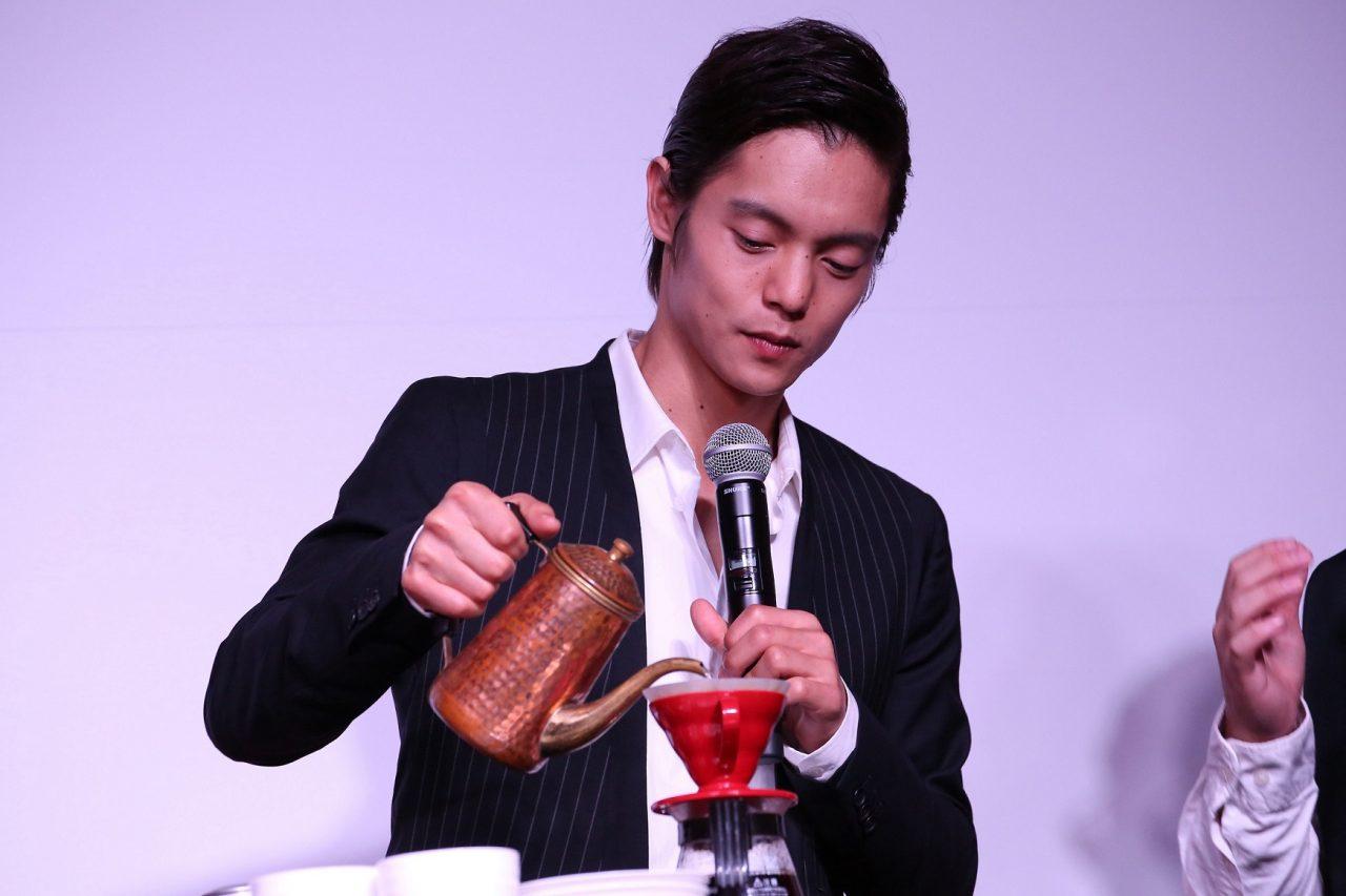 """窪田正孝が自らコーヒーをおもてなし!?『東京喰種 トーキョーグール』""""喰種""""の世界観を再現した公開直前イベント!"""