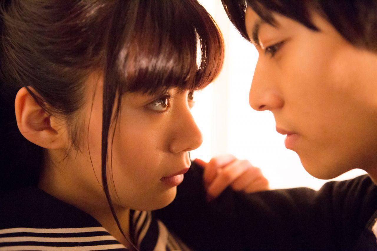 【プレゼント】いよいよ明日公開!映画『一礼して、キス』劇場鑑賞券を【3組6名様】にプレゼント!