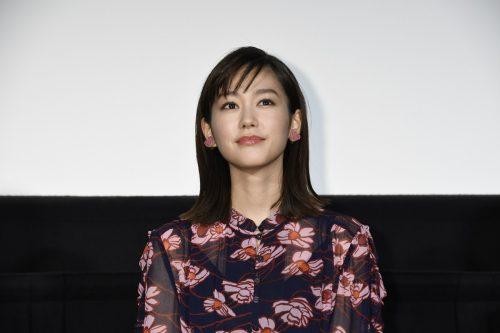 桐谷美玲「いろいろなことにトライしたい」来年の抱負を書き初めで披露!映画『リベンジgirl』公開記念スペシャルイベント☆