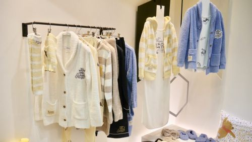 キュートなファッションアイテムからほっこり系ルームアイテムまで!「DISNEY EXPO JAPAN 2018」お披露目の「ミッキーマウス」「くまのプーさん」アイテムをご紹介!