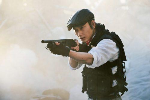 佐藤健×綾野剛、打って転がって飛び降りる!映画『亜人』迫力満点のアクションシーンが満載のメイキング映像一部公開!