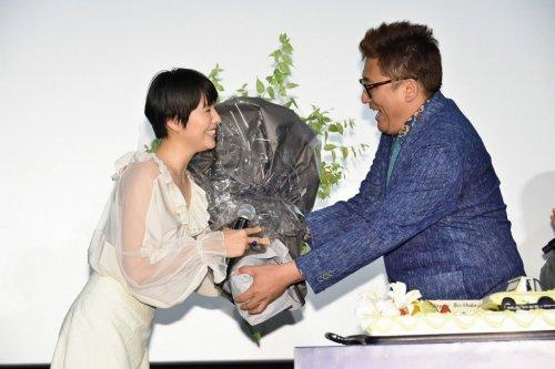 福田監督サプライズ登場!長澤まさみのバースデーをお祝い♡映画『50回目のファーストキス』公開御礼舞台挨拶!