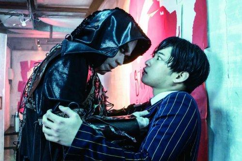 阿部サダヲ&吉岡里帆、サイドカー付バイクで逃亡!?映画『音量を上げろタコ!なに歌ってんのか全然わかんねぇんだよ!!』強烈すぎる!場面写真一挙公開!