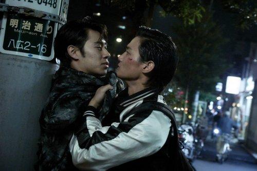 佐野岳、歌舞伎町のゲイ役に!?映画『純平、考え直せ』出演者一挙解禁!新たな場面写真も到着!