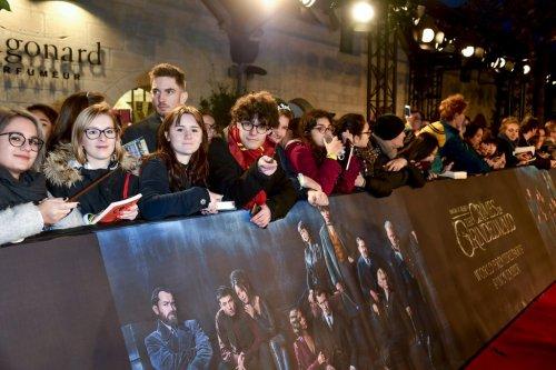 エディ・レッドメイン、ジュード・ロウら豪華キャストがファンたちと共に大盛り上がり!『ファンタビ』最新作、物語の舞台パリでワールドプレミア開催!