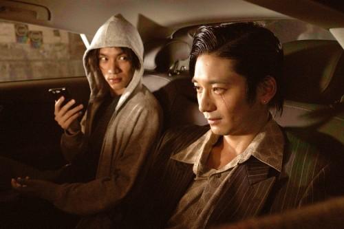 岡田准一、高すぎる身体能力を惜しみなく披露!映画『ザ・ファブル』スペシャル映像&場面写真解禁