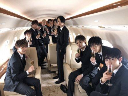 超豪華な登場で王子たちが旋風を巻き起こす!映画『PRINCE OF LEGEND』王子がプライベートジェットで大渋滞!!ツアーin大阪