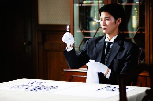 清原翔、執事のいろはを学ぶ!映画『うちの執事が言うことには』新場面写真解禁♡