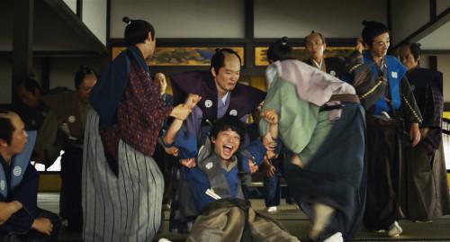 星野源、大忙しなのは引っ越しだけじゃない!?映画『引っ越し大名!』場面写真一挙解禁