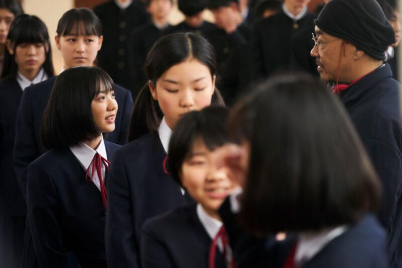芦田愛菜、役作りで髪を30cm以上カット!?6年ぶり主演映画『星の子』クランクイン&コメントも到着!