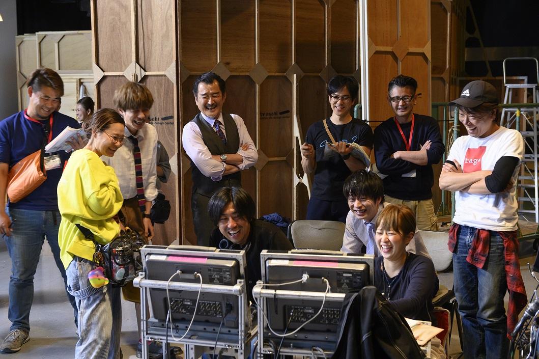 円盤特典映像の一部だお♥『劇場版おっさんずラブ』田中圭、林遣都他、メインキャストがバスローブ姿で揃ったクランクアップの映像を一部公開!
