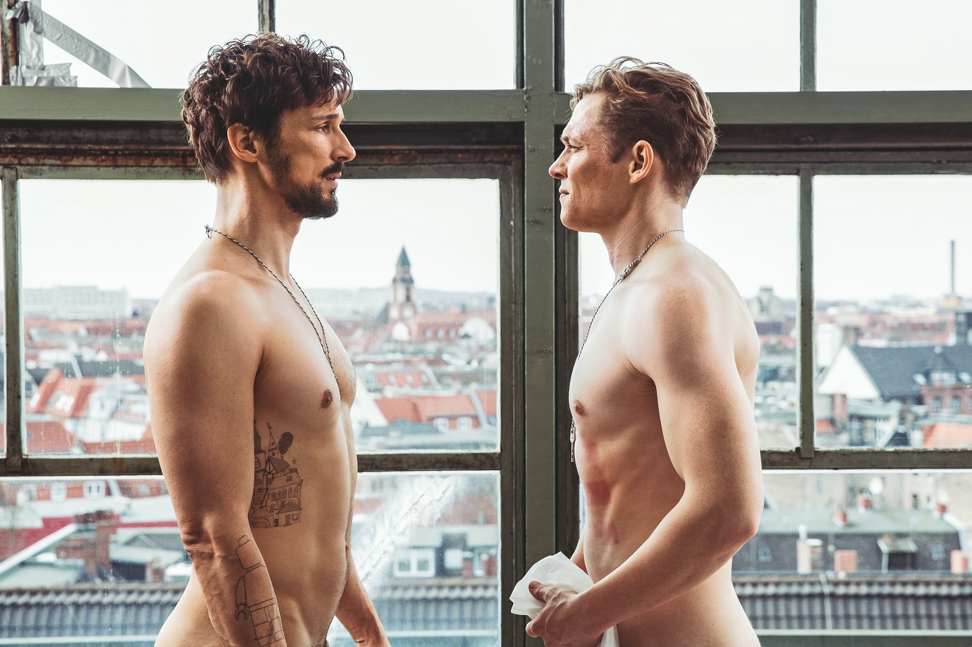 独版「ぐらんぶる」?ドイツの国民的イケメン細マッチョコンビが全裸で大暴れする『100日間のシンプルライフ』
