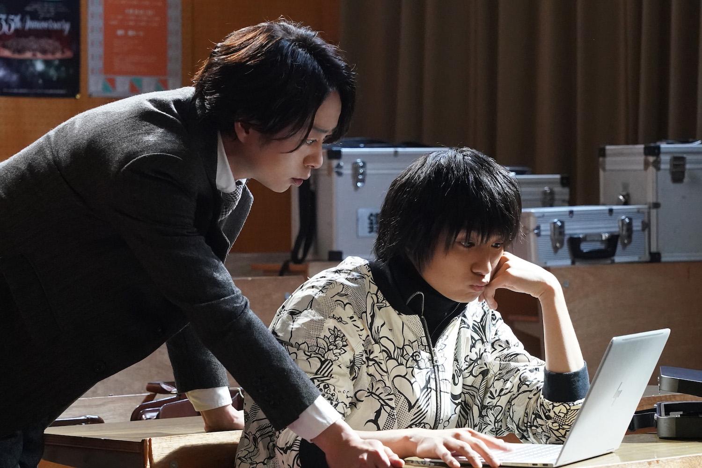 日曜ドラマ『ネメシス』新たなチームメンバーはなんと17歳のAI開発者!数多くの映画新人賞を受賞した、新進気鋭の俳優・奥平大兼が参戦!
