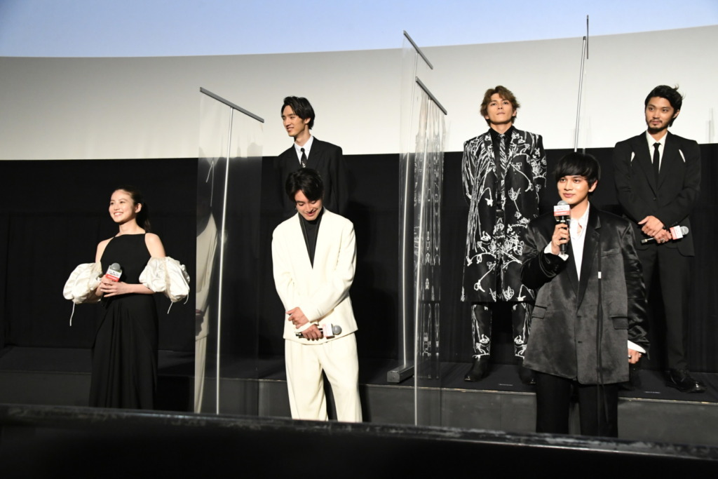 映画『東京リベンジャーズ』幾多のリベンジを経て遂に映画公開! 舞台挨拶はエモいエピソード連発&続編への布石も…!? 北村「今とても必要なメッセージが詰まっている作品だと思っています」公開記念舞台挨拶イベントレポート!